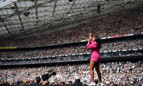 Fire Fight Australia concert: 10-hour bushfire benefit raises millions – video