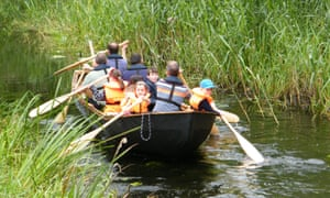 Family on trip with Boyne Boats
