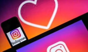 More than 14,000 Instagram users reported problems with media files.