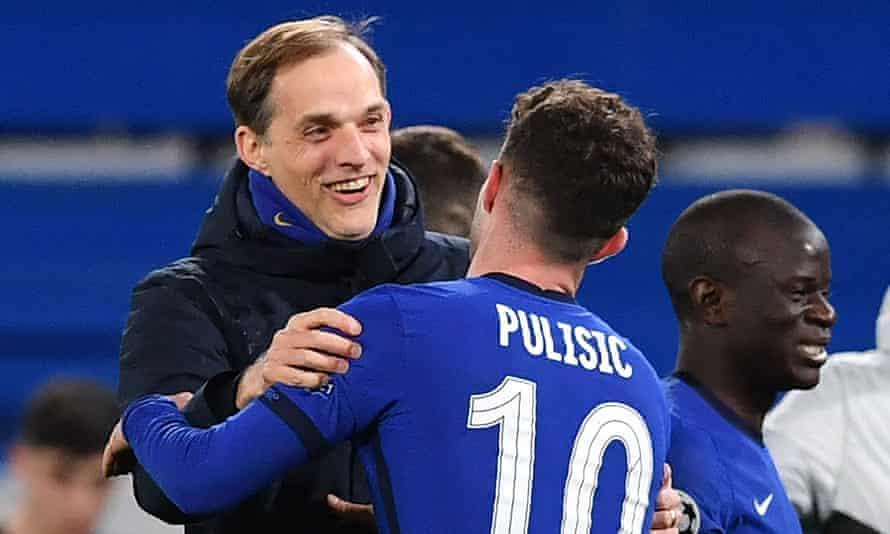 Thomas Tuchel embraces Christian Pulisic after Chelsea beat Atlético Madrid 2-0