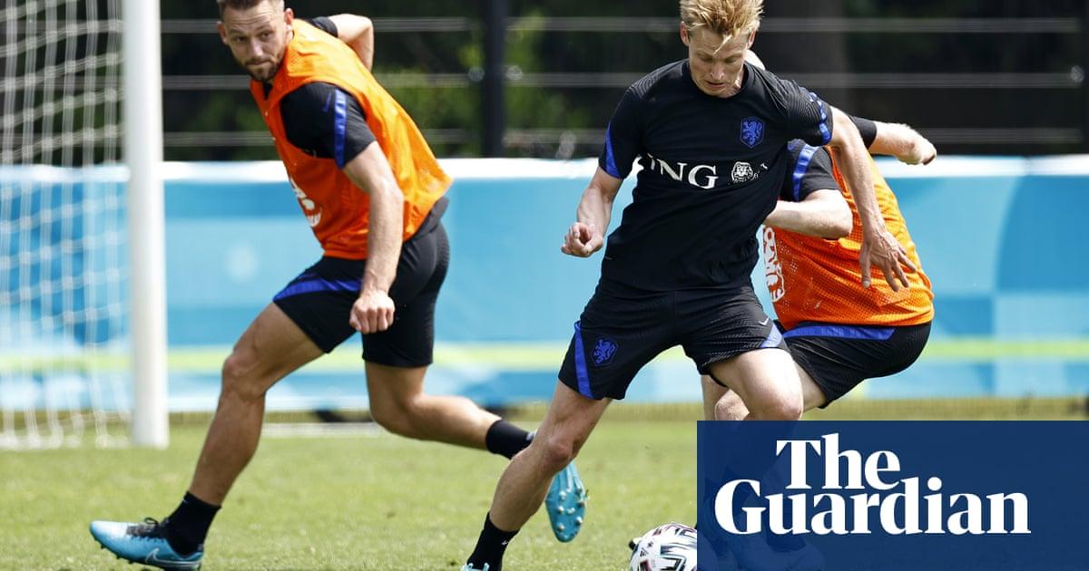 Frank de Boer creates 'team of friends' in bid for Netherlands glory