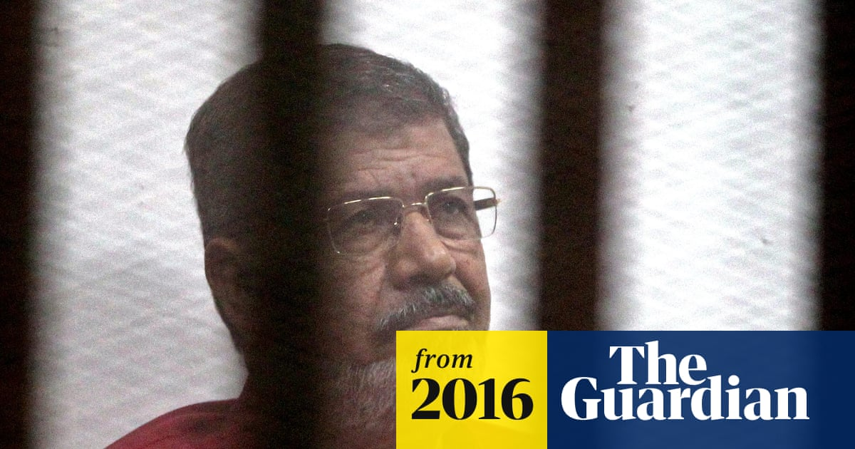 Egypt forces 32 judges who opposed removal of Morsi to