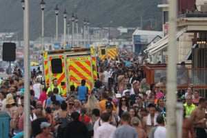Emergency services make their way along Bournemouth seafront