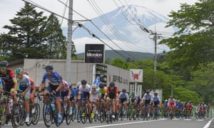 The peloton at the 2018 Tour of Japan