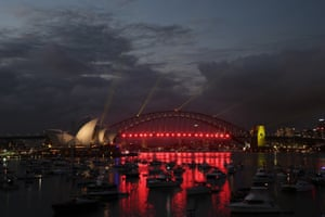 The bridge glowed red in preparation for the 9pm or 'kiddie' fireworks.