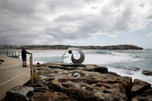 FJ 13 by Ben Fasham, a stainless steel and bronze creation – one of the first on the walk for those entering from the Bondi beach end.