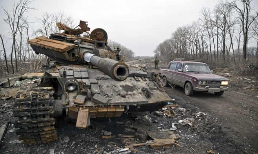 A destroyed tank abandoned at a former Ukrainian army checkpoint