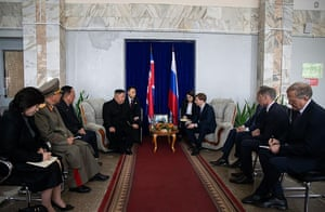 Kim meets with Russian officials in Khasan