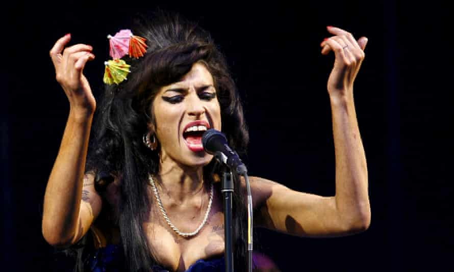 Amy Winehouse performing at the Glastonbury Festival 2008