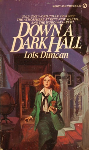 The cover of Lois Duncan's Down A Dark Hall.