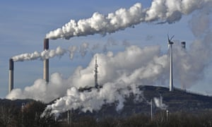 The study found global emissions were reduced by 4.6%, or 2.5 gigatonnes, from late February to May. The largest emissions drops occurred in the United States and China.