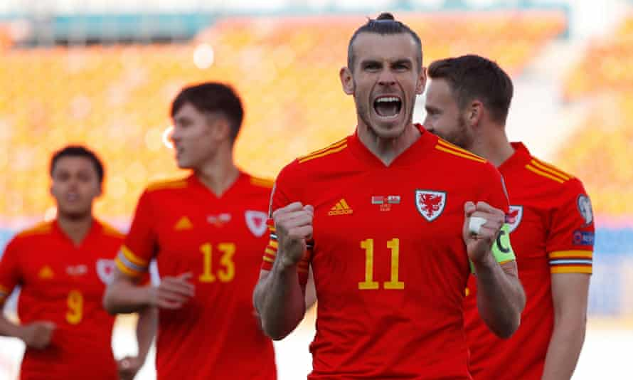 Gareth Bale scored all Wales' goals in their dramatic 3-2 win against Belarus in Russia.