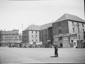 Commissariat Building, west side of Circular Quay, looking south, 1923-24