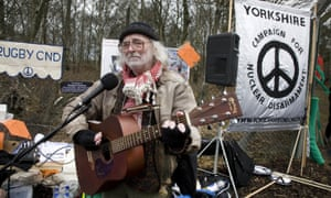 Karl Dallas protesting at Aldermaston, Berkshire, in 2008 to celebrate the 50th anniversary of the Easter march from London.