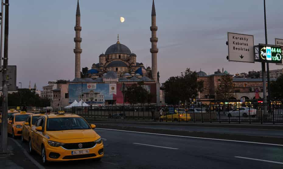 A queue of yellow taxis in Istanbul.
