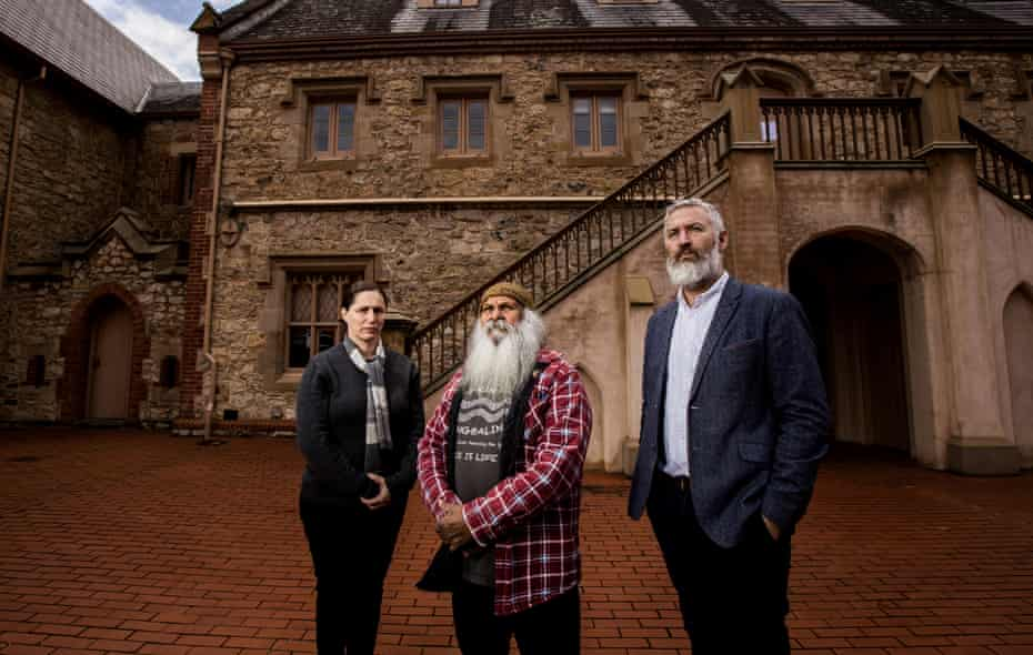 L-R Aboriginal heritage manager Anna Russo, Ngarrindjeri man Major Sumner (Moogy) and Head of Humanities, John Carty.
