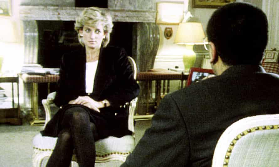 Martin Bashir interviews Diana in 1995.