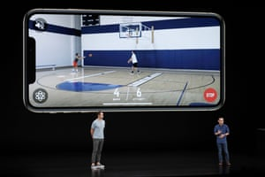 Former NBA player Steve Nash, left, and CEO and founder of HomeCourt David Lee talk about the Apple iPhone XS.