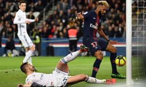 Eric Maxim Choupo-Moting not only prevented his PSG teammate's shot from going in, but also failed to score himself from less than a yard out against Strasbourg.