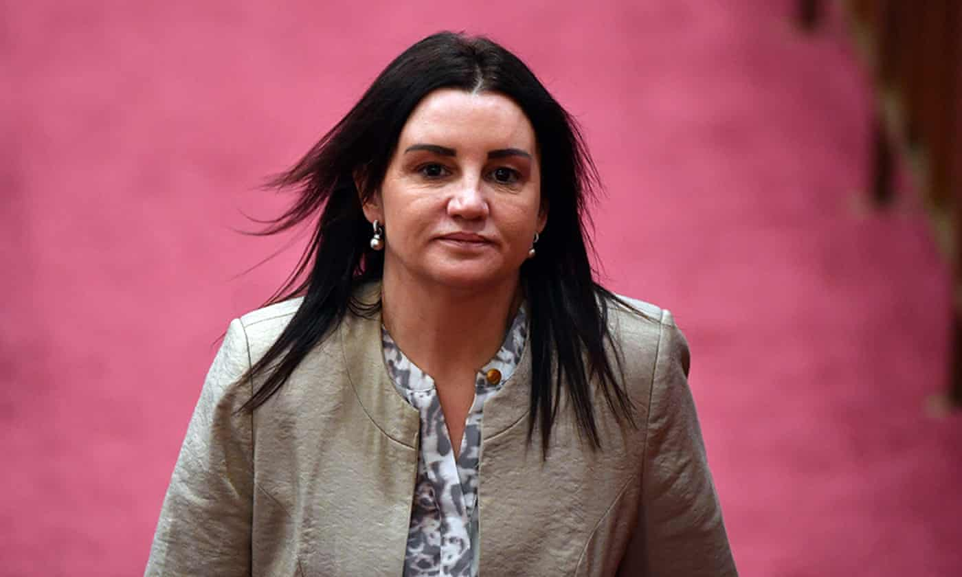 Jacqui Lambie urged by independents to use Senate vote to keep medevac laws