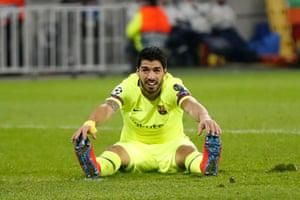 Barcelona's Luis Suarez reacts.