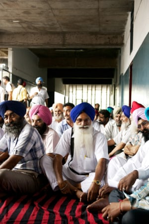 Workers protest in the interstate bus terminal