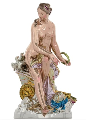A shiny statue of venus