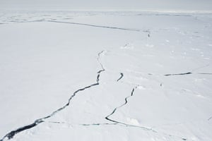 Cracks on the ice edge of Fram strait