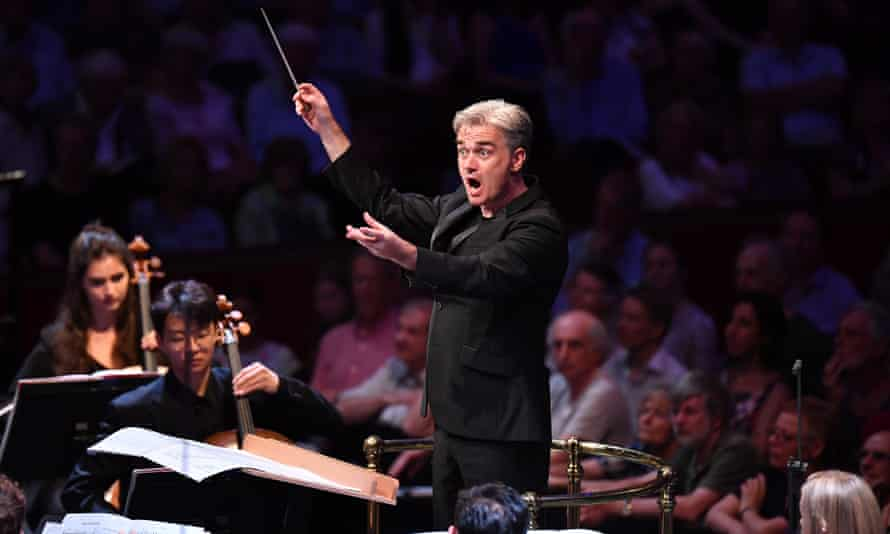 Admirable surety ... Edward Gardner conducts the orchestra of the Royal Academy of Music and the Juilliard School.