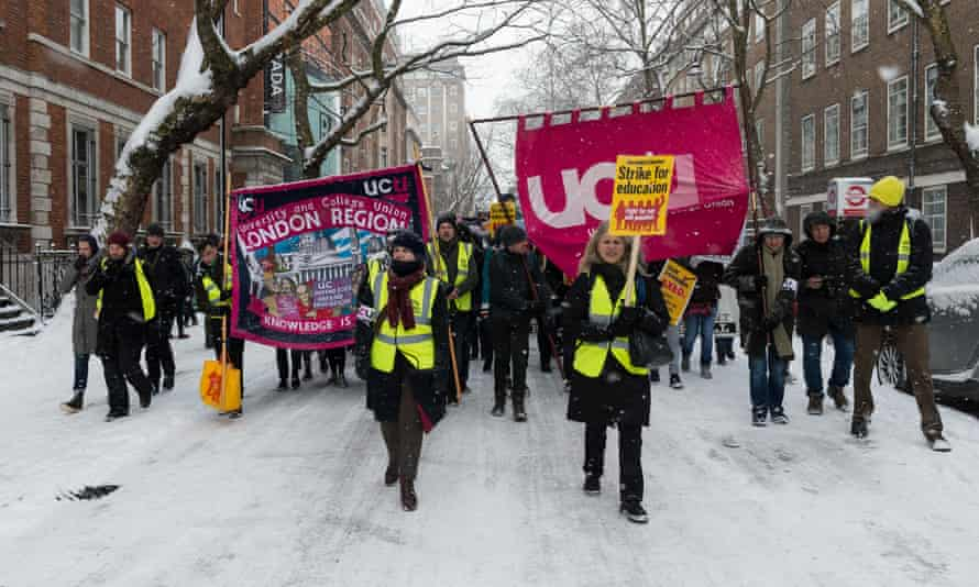 In February 2018, university staff and students marched across central London to support the strike over pensions cuts.