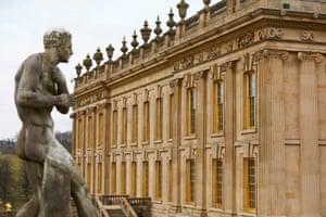 Chatsworth has more than 300 rooms