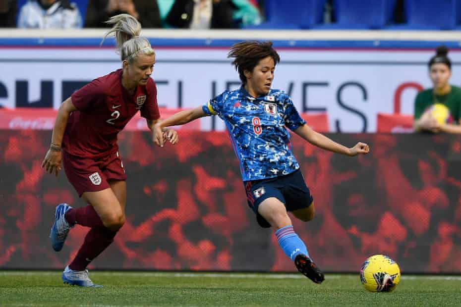 Mana Iwabuchi in action for Japan against England at the 2020 SheBelieves Cup.
