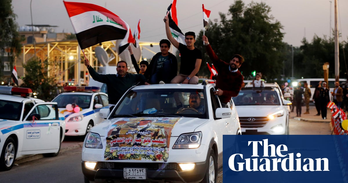 Baghdad reopens fortified Green Zone a year after Isis ousted from Iraq