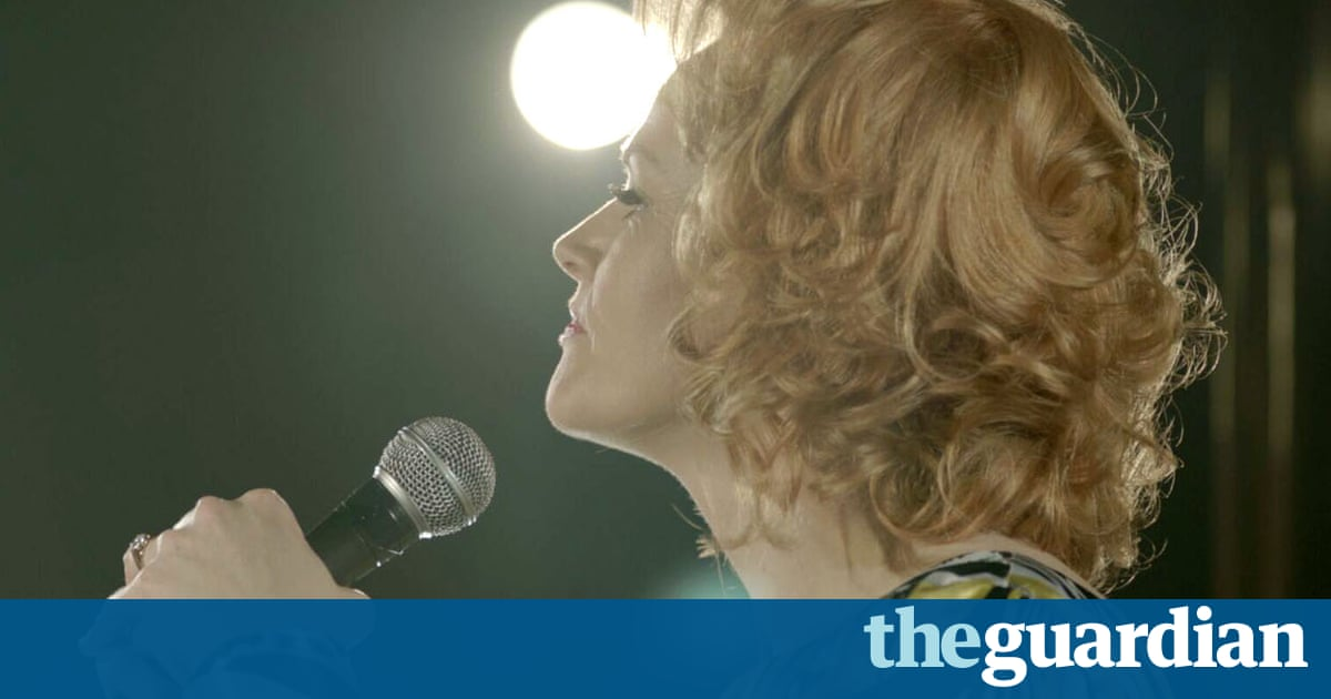 Funny Cow review – Maxine Peake blazes in the dark days of standup