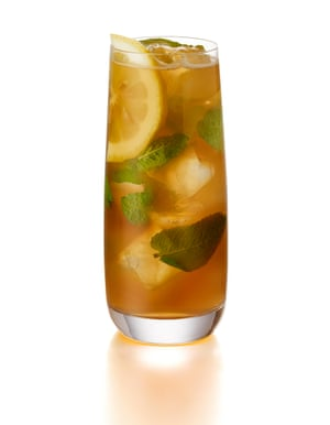 The cocktail that fuels the feria in Jerez: the rebujito.