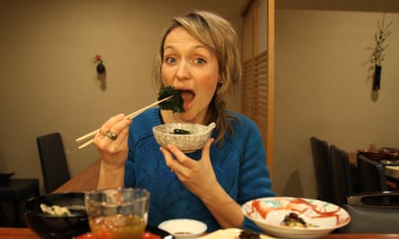 Kate Quilton tries out some seaweed