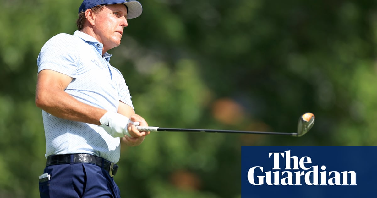 Premier Golf League steps up breakaway plans with offers to players