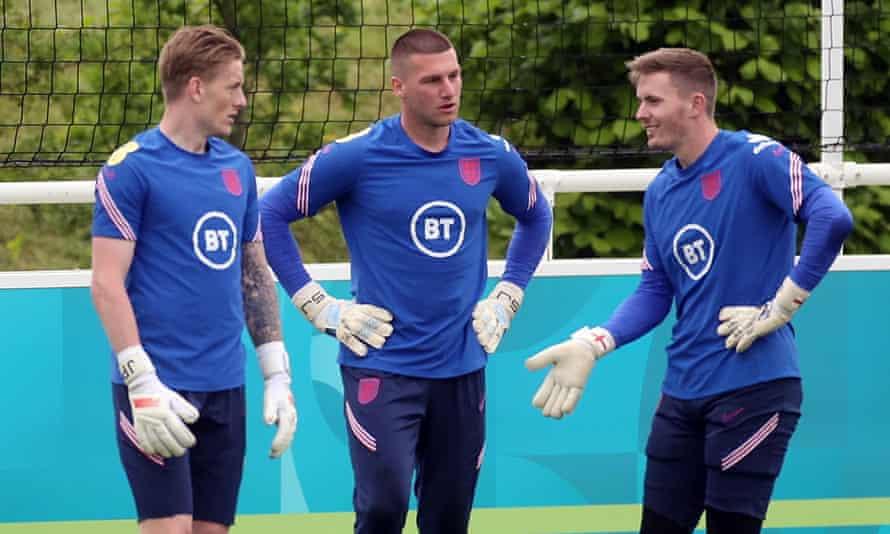 Dean Henderson with England's Jordan Pickford and Sam Johnstone at training last week