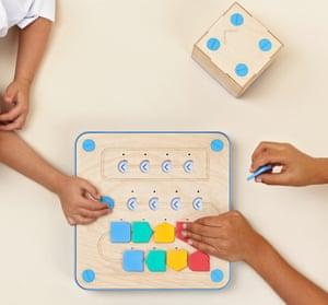 Cubetto toy