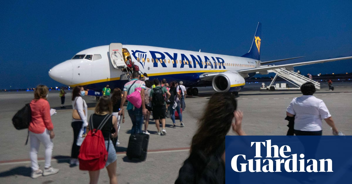 Ryanair plans to carry 225m passengers by 2026 in Covid rebound