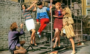 David Hemmings in Michelangelo Antonioni's 1966 film Blow-Up, with (left to right) Ann Norman, Peggy Moffitt, Rosaleen Murray and Veruschka