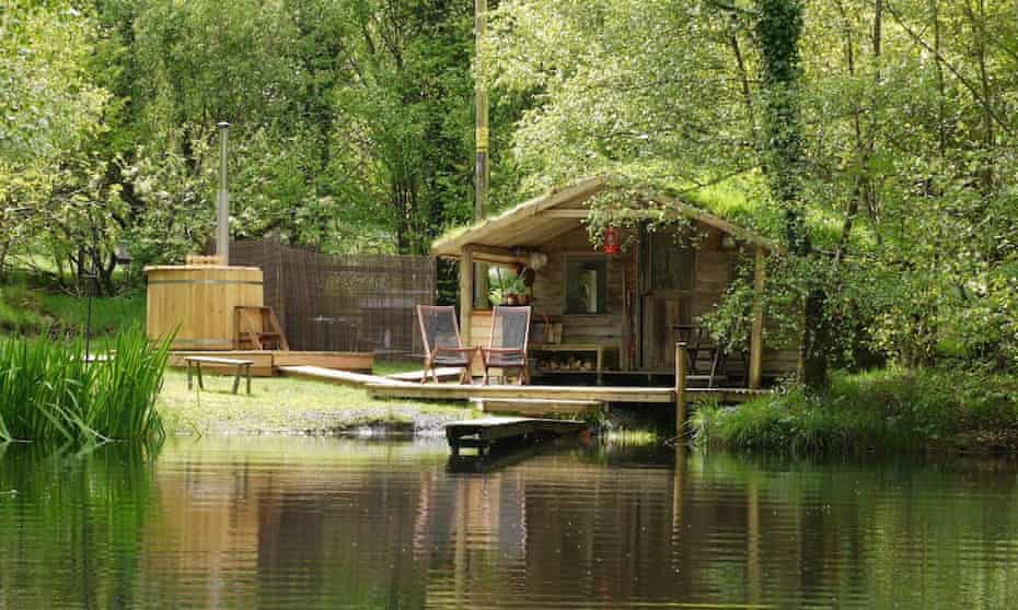 Cabin on the Lake, Powys