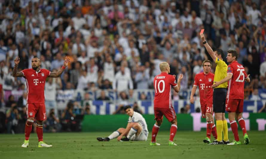 Arturo Vidal's undeserved sending off was the turning point in the game.