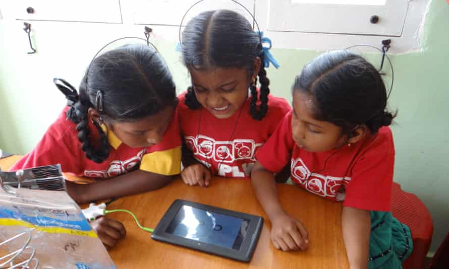 Kids in India enrolled in the 40k project were excited by the arrival of tablets