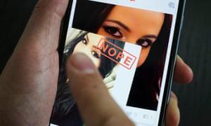 Tinder online dating app
