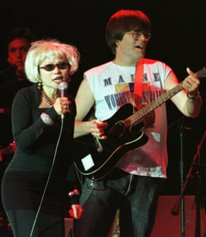 Axe man Stephen King (left) playing alongside Amy Tan in the Rock Bottom Remainders in 1998.
