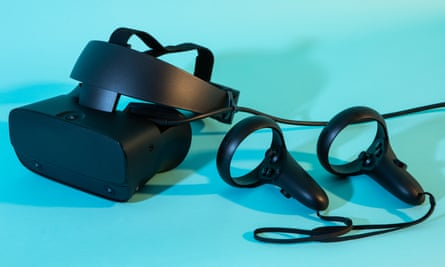 the oculus rift s headset