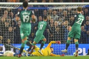 Tottenham Hotspur's Argentinian midfielder Erik Lamela (C) scores t