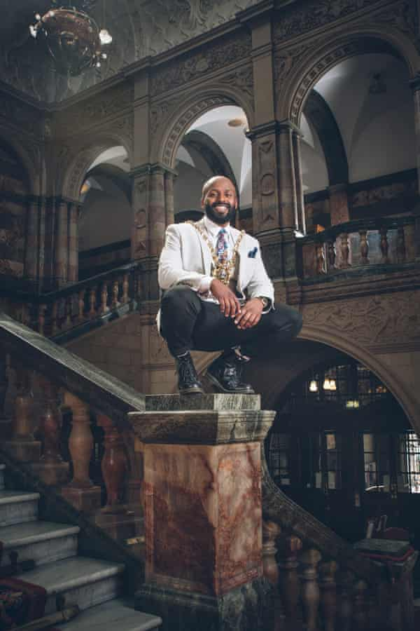 Official portrait of Magid Magid, lord mayor of Sheffield