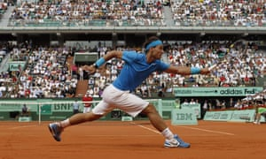 Does Rafael Nadal use anything other than 'automatic reflexes' in the half-second (or less) he has to return Roger Federer's serve?